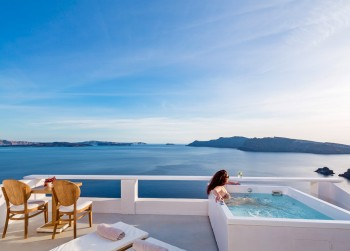 Pure Bliss Sea View with Jacuzzi