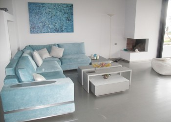 6. LIVING ROOM II